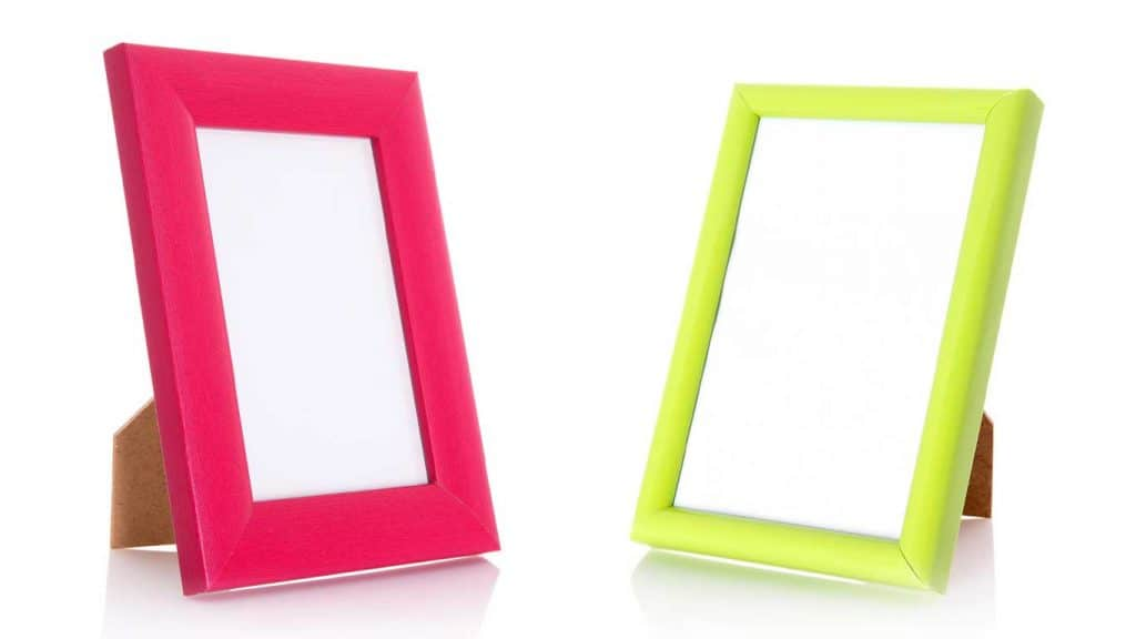 red and green picture frames