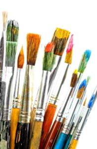 various shapes and sizes of artists paint brushes