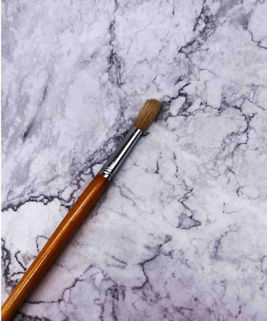 hog hair artist brush with brown handle